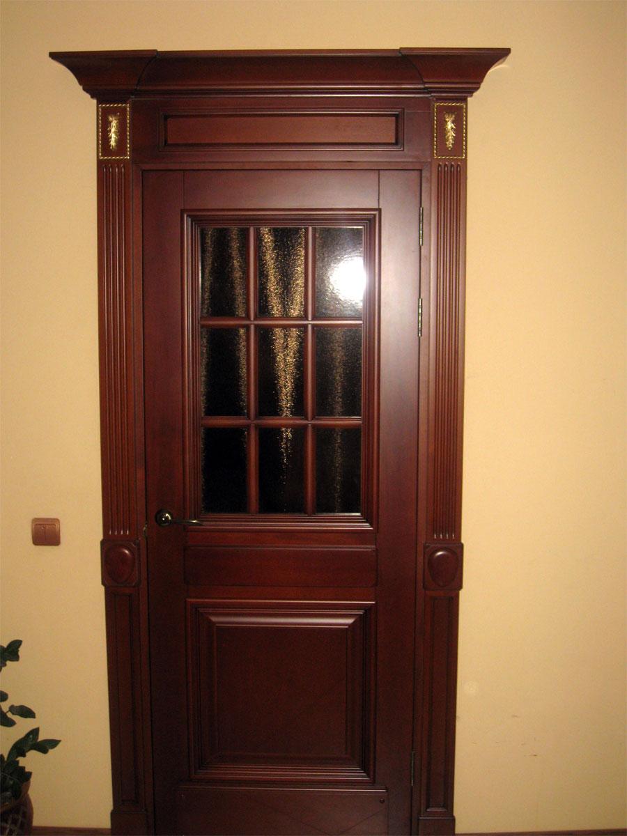 Дверь входная из массива бука