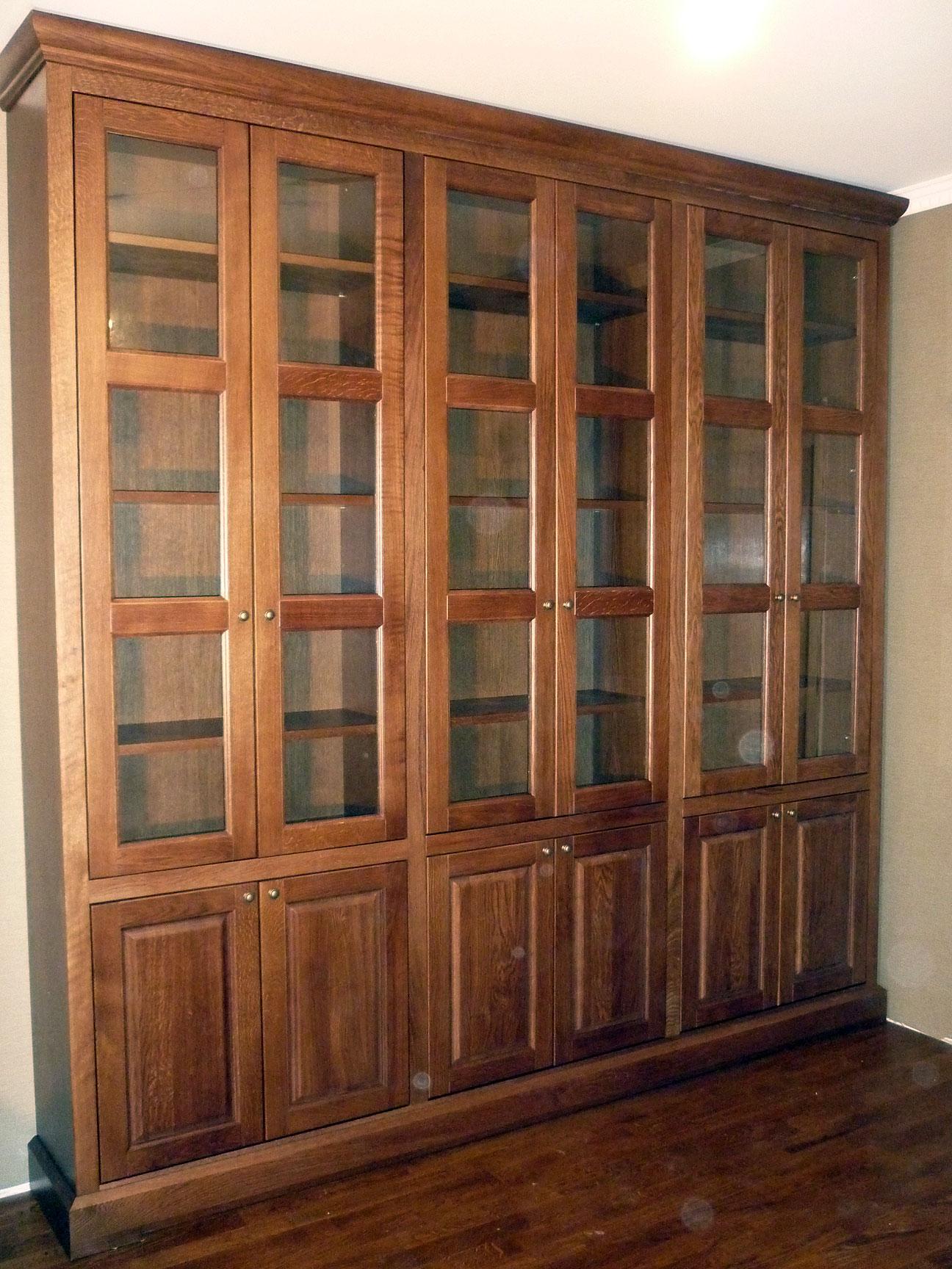 Комплект мебели из дуба: шкафы, стол - домашний кабинет.